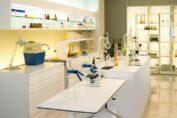 Fabricant de mobilier de laboratoire